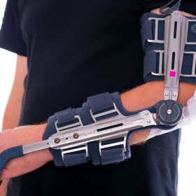 Locking elbow brace at Applied Biomechanics
