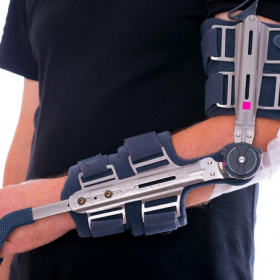 Locking elbow brace at Applied Biomechanics
